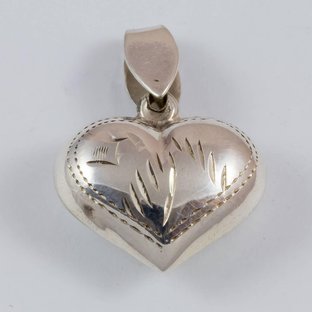 Herz, 16 mm, beidseitig graviert